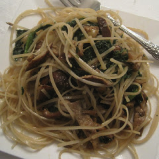 Angel Hair Rice Pasta with Spinach, Shiitake Mushrooms & Roasted Garlic and a tour of LA Kosher Restaurants