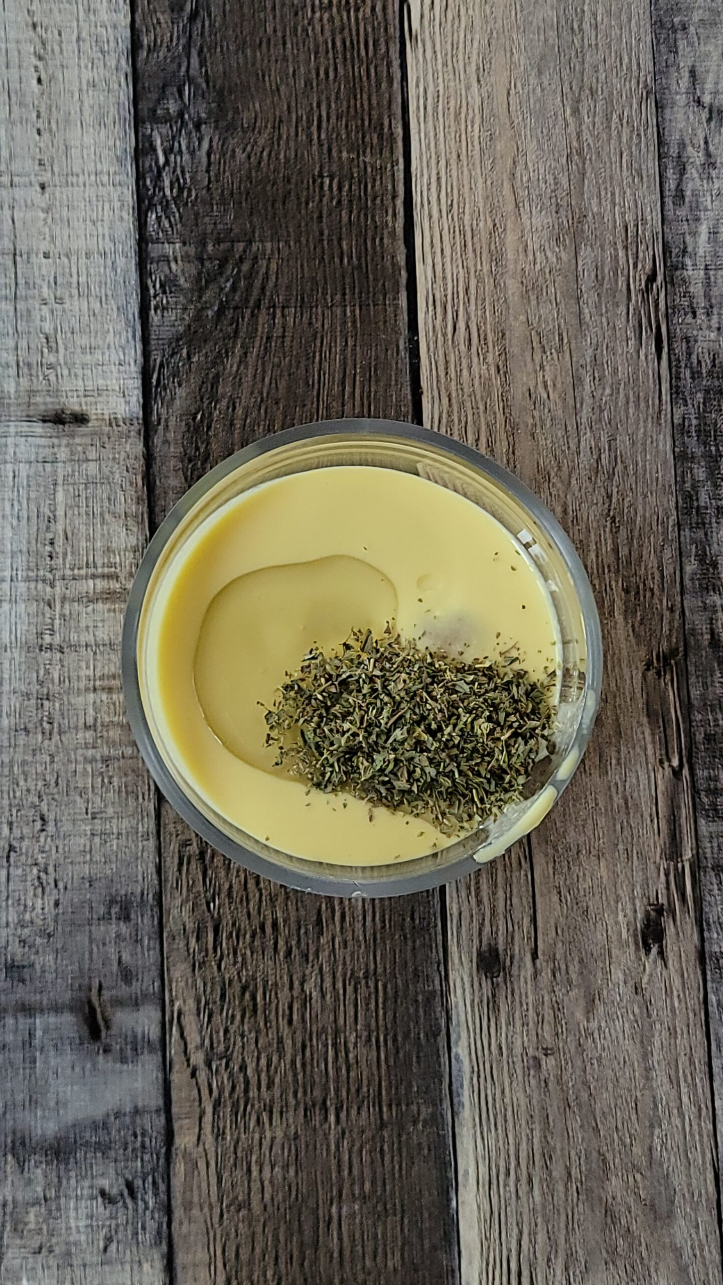 Egg replacer with oil and spices